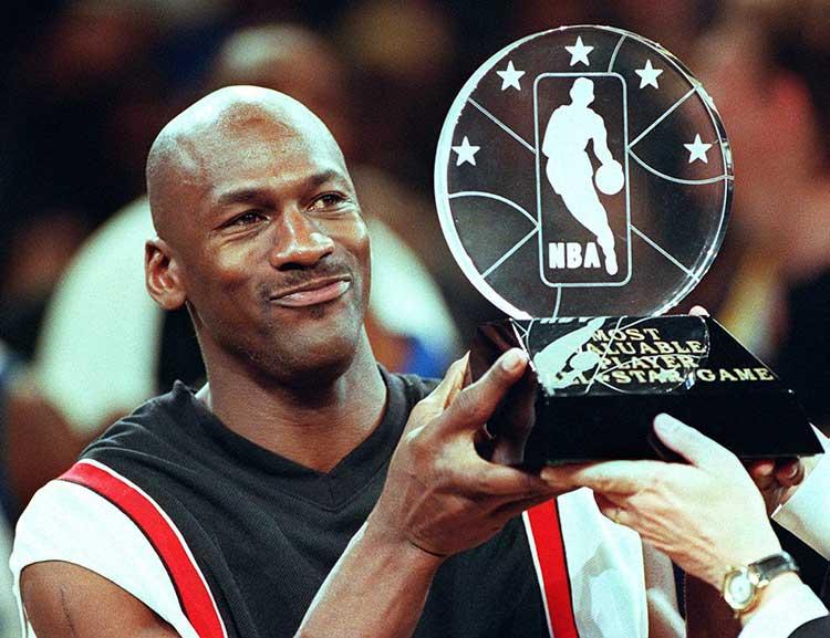 صورة مايكل جوردان وتأثيره الإيجابي على كرة السلة