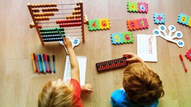 صورة كيف تثير اهتمام طفل ما قبل المدرسة بالرياضيات: الألعاب والمهام والنصائح